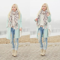 Justyna B. - Coat, Mango Jeans, Zara Bag - Pastel colors