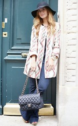 A TRENDY LIFE - Dpromesas Coat, Primark Jeans, Chanel Bag, Massimo Dutti Hat - BOHO LOOK