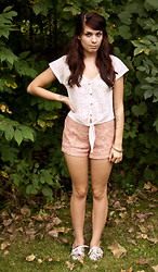 Emily Perkovich - Body Central Lace Button Up Tie Front Crop Top, Forever 21 Floral Lace Highwaist Shorts, Forever 21 Floral Print Oxfords, Forever 21 Pink Filligree Bangle - 09182013