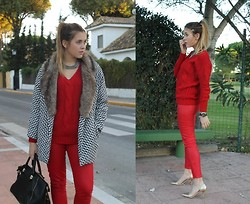 Amy Ramírez - Motel Rocks Coat - All you need is red