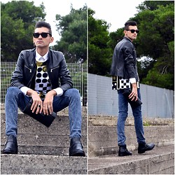 Mirko Criscolo - Cheap Monday Jeans, Vintage Leather Pochette, Asos T Shirt - Walking on Air
