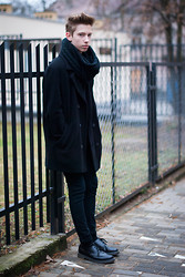 Paul Jeremy G. - Vintage Coat, Pull & Bear Scarf, Topman Pants, Dr. Martens Shoes - BLACK is the new black
