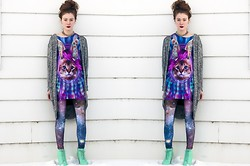 Sarah Jay - Lucky Seven Shop Crazy Cat Shirt, Mr. Gugu & Ms. Go Violet Nebula Leggings, Gojane Fake Litas - Because Cats