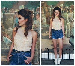 Georgina Walker - Levi's® Shorts, Vintage Parisian Kilo Shop, Monkey Boots - 'Outside Art'