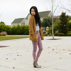 Trang Huyen - H&M Chunky Cardigan, Pacsun Pink High Waist Denim, Zara Vneck Tank, Isola Python Print Boots - The leaves are falling.