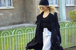 Isabella Thordsen - Asos Hat, H&M Jacket, Ganni Sweater, Asos Sunglasses - Silver sunglasses