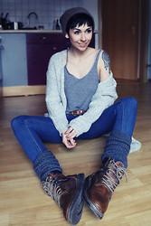 Nora Lovely - S.Oliver Sweater, American Apparel Shirt, Primark Jeans, Dockers Boots - Cozy day.