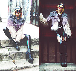 Rachel Lynch - Rick Owens Black Leather Snappy, Wildfox Couture Mirror Aviators, Chaser Dip Dye Fur, Lip Service Liquid Leggings, Jeffrey Campbell Human Aliens - 3hunna Shine