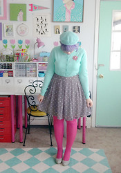 Kate Gabrielle - Old Navy Mint Green Cardigan, Bait Footwear Grey Pumps, H&M Grey Polka Dot Skirt, Vintage Pink Floral Brooch, Gift From A Friend Mint Green Beret, H&M Hot Pink Tights - Mint and pink christmas