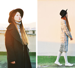 Autumn Kim - Phila Petra Oversized Black Coat, Phila Petra Melange Knitted Dress, Flat Aparment Korean Traditional Shoes - Beautiful time of the rooftop