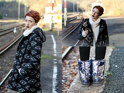 Wendy L - Ugg Boots, Levi's® Coat, Zara Sweater - Winter sun