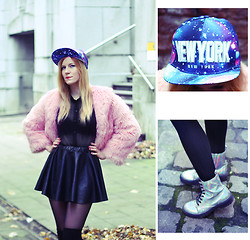 Fanni Framboise - China Market Nyc New York Galaxy Cap, Tally Weijl Holographic Boots, Pink Fake Fur Coat, New Yorker Shirt, Ebay Pu Skater Skirt - Bruxelles