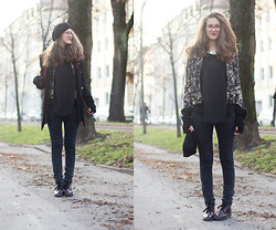 Elif & the RoseMania www.therosemania.com - Zara Sweater, Deichmann Lace Up Shoes - Golden Winter