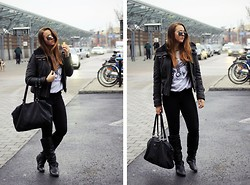 Emelia Gunnarsson - Jofama By Kenza Jacket, Boy London Sweater, Vintage Bag, Oldies Boots - The truth is in this song