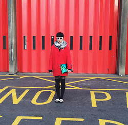 M . - Topshop Red Boyfriend Coat, Vintage Cat Eye Sunglasses, Holographic Bag - Near Brick Lane.