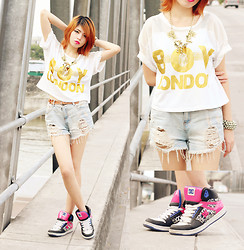 Sarah Schadler - Boy London White Gold Printed Top, Distressed Shorts, Dc Skater Shoes, Golden Spikes Necklace - You Think You Destroyed My Faith in Love...