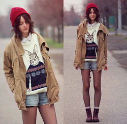 Nora Aradi - Sweater, H&M Shorts, Asos Beanie, Primark Shirt, H&M Boots - Obsessed