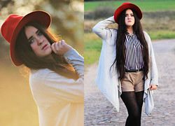 Dżamila K - Vintage Red Hat, Cardigan, Vintage Striped Shirt, Bershka Shorts, Jewelry - Stairway To Heaven - Autumn