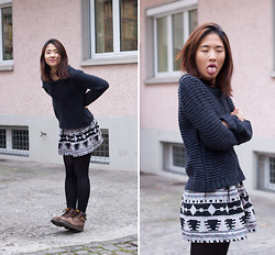 Melanie L - H&M Knitted Sweater, Cat Boots, From Seoul Skirt - Tongue Out