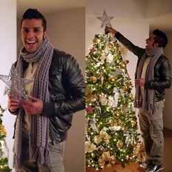 Franko Dean - H&M Silver Jacket, Gap Cargo Pants, Vintage Knit Scarf, Puma Silver Boots - This Christmas !!