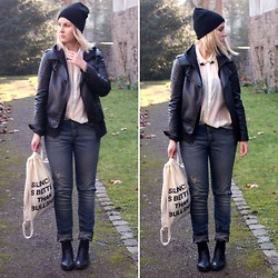 Bianca S - Schwarze Fake Leather Jacket, Peterpanik Cat Collar Tips, H&M Beanie, H&M Tranparent Blouse, Primark Used Look Jeans, Peter Panik Bag, New Look Chelsea Boots - Silence is better than Bullshit