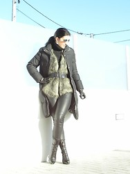 Teresa Leite - Mango Fur Vest, Zara Leather Lrggings, Zara Lace Up Booties, Zara Puffer Coat, Massimo Dutti Mirror Aviators - A bright day is always welcome