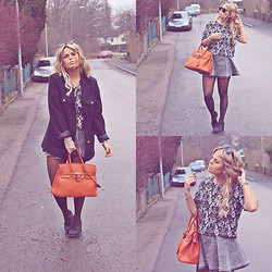 Emmy Nikolausson - Gina Tricot Coat, Thailand Handbag, H&M Skirt, Bikbok Top - THE ORANGE BAG.