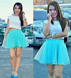 Julie Lozada - Pink Fashion Crop Top, Pink Fashion Skirt, Shoes - Aquamarine