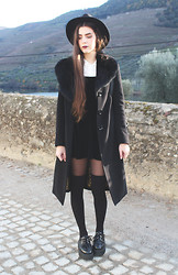 CLAUDIA Holynights - A Fabrica Dos Chapeus Hat, Long Coat With Fur Collar, Asos Velvet Dress - No one knows what it's like, to feel these feelings