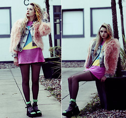 Kayla Hadlington - Missguided Jacket, Junkfood Shirt - THE TOYS ARE US AND WE DON'T EVEN KNOW