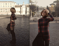 Ellen Hallström - H&M Dress, H&M Knee Highs - Rome.