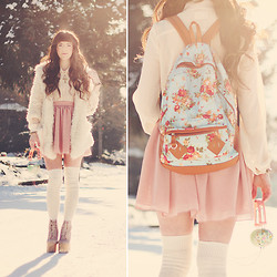 . . - Banggood Floral Backpack, Banggood Fuzzy Coat, Oasap Pink Skirt, Ankit Headphones, Wizards Of The West Gold Bracelet - Snow Flower