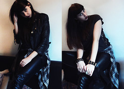 Love Cat - Topshop Leather Jacket, New Look Leather Trousers, Nasty Gal Heelz - The crow flies straight