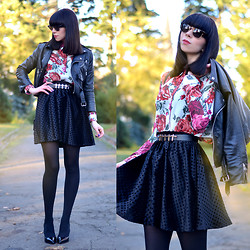 Ricarda Schernus - Mythe Floral Blouse, Yiddish Chutzpah Velvet Skirt, Mas34 Patent High Heels, Unif Leather Biker Jacket, Urban Outfitters Cross Belt, Mister Spex Sunglasses - Chic with a twist