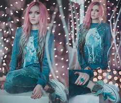 Anya Anti - Mr. Gugu & Miss Go Unicorn Sweatshirt, Turquoise Velvet Leggings, Converse Chuck Taylor All Star Two Fold Hi - The Last Unicorn