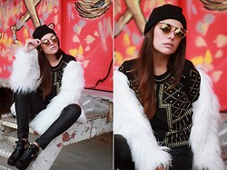 Mafalda Castro - Sheinside Fur Coat, Chic Wish Top, Zerouv Sunglasses - Gold Details as usual