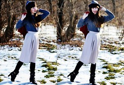 Anna Moore - Vintage Skirt, Jacket, Ukrainian Mark Sweater, Chicwsih Boots, Hat - Grey hat and festive mood