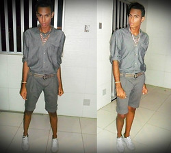 Yago Rodrigues -  - • Look of the Day- Night Merry Christmas!