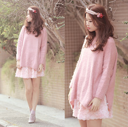 Mayo Wo - Yammi Rose & Feather Hairpiece, Yesstyle Pink Knit Top, Romwe Rosette Skirt, Valentino Pale Pink Booties - I believe in pink
