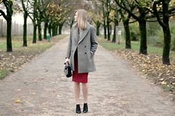 Katarina Vidd - All Items On My Blog - Lost in park.