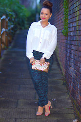 Regina Djosimar - H&M Shirt, H&M Trousers, Ebay Clutch - Merry Christmas