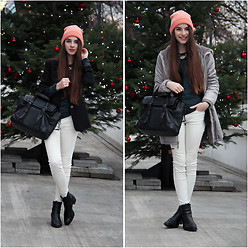 Daniela Hálová - H&M Beanie, H&M Necklace, Zara Leather Bag, Zara White Pants - After Christmas