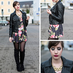 Andrea Funk / andysparkles.de - H&M Leather Jacket, Mr. Gugu & Miss Go Roses Circle Dress, Schuhtempel24 Overknee Boots, Schmuckershop Statement Necklace - Leather & Roses