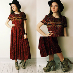 Olivia DeGrado - Someplace Sunnier Vintage Maxi Dress, Thrifted Hat, Handmade Necklace - Sunday Funday