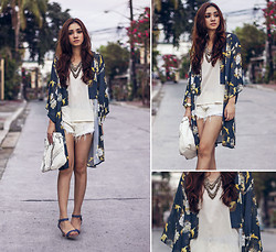 Aileen Belmonte - In Love With Fashion Oriental Print Kimono - Kimono Love