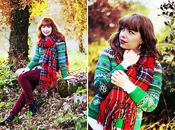Ester Durães - Imagens Da Dapi Earrings, Frontrowshop Tartan Scarf, H&M Sweater, Primark Pants, Romwe Boots - Holidays