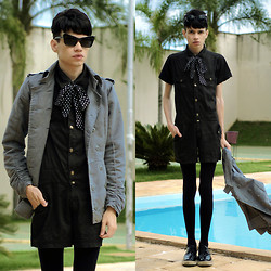 Händer Duarte - Stymest Cat Eyes, Banana Republic Trench Coat, Stymest Polka Dot, Banana Republic Black Jumpsuit - Royals