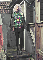 Malin Z - Cubus Moto Jacket, Breaking Rocks Print Sweater, Vagabond Boots - In the blaze