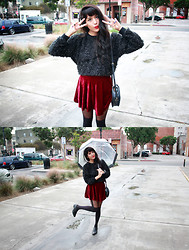 Joellen Lu - Frontrowshop Crop Top With Silver Thread, Tarte Vintage Vexed Velvet Skirt, Vintage Boots - That weatherman's a liar, he said it'd be raining