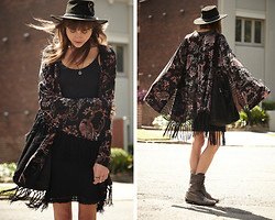Annabel Wendt - Somedays Lovin' Burnout Kimono, Topshop Boots, Vintage Dress - Burnout